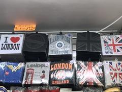 souvenirs t-shirt